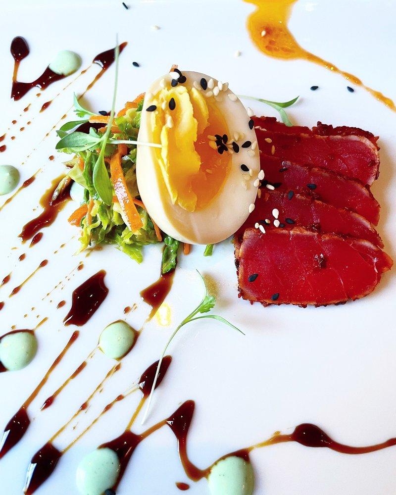 Houndstooth Restaurant: 1482 Zachary Taylor Hwy, Huntly, VA
