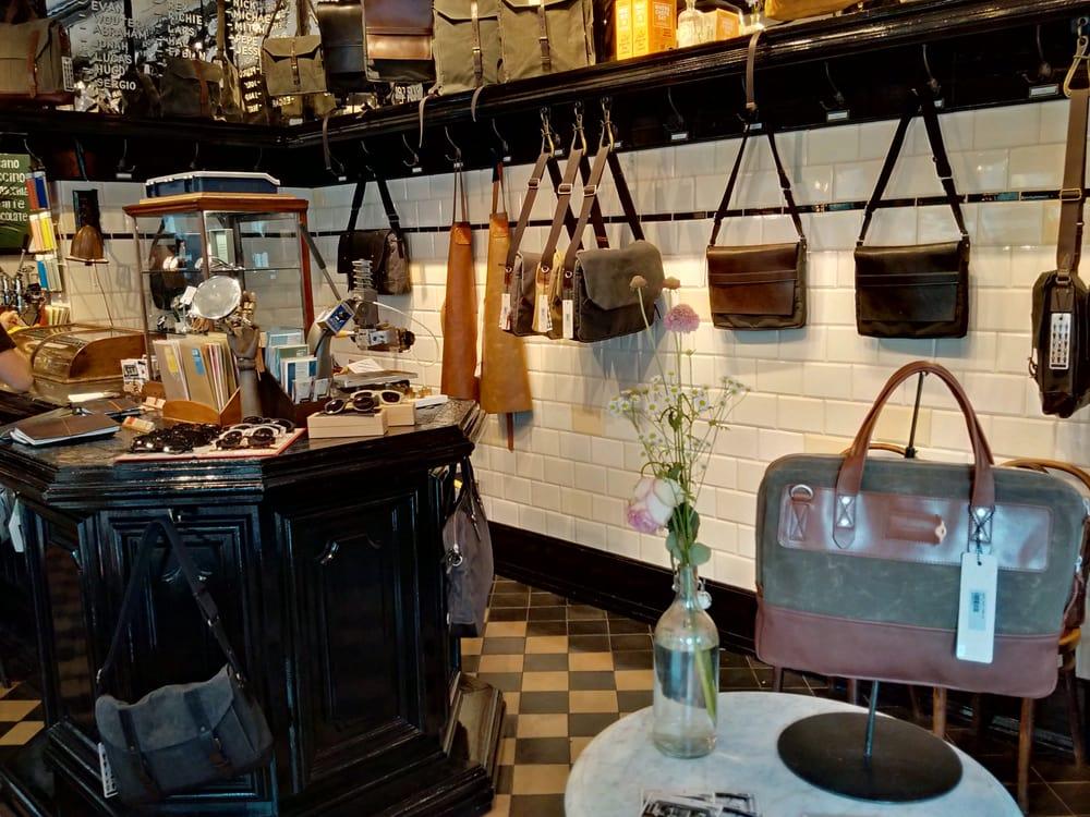 Tassen Herenstraat : Property of accessoires herenstraat centrum