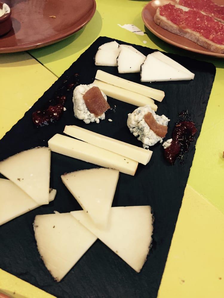 Deska serów - mało ale smaczne! - Yelp