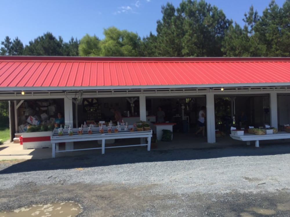 Ken Chappell's Peaches: 672 North Carolina Hwy 211, Eagle Springs, NC