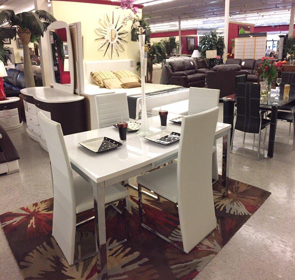 World Furniture Showcase: 46754 Mission Blvd, Fremont, CA