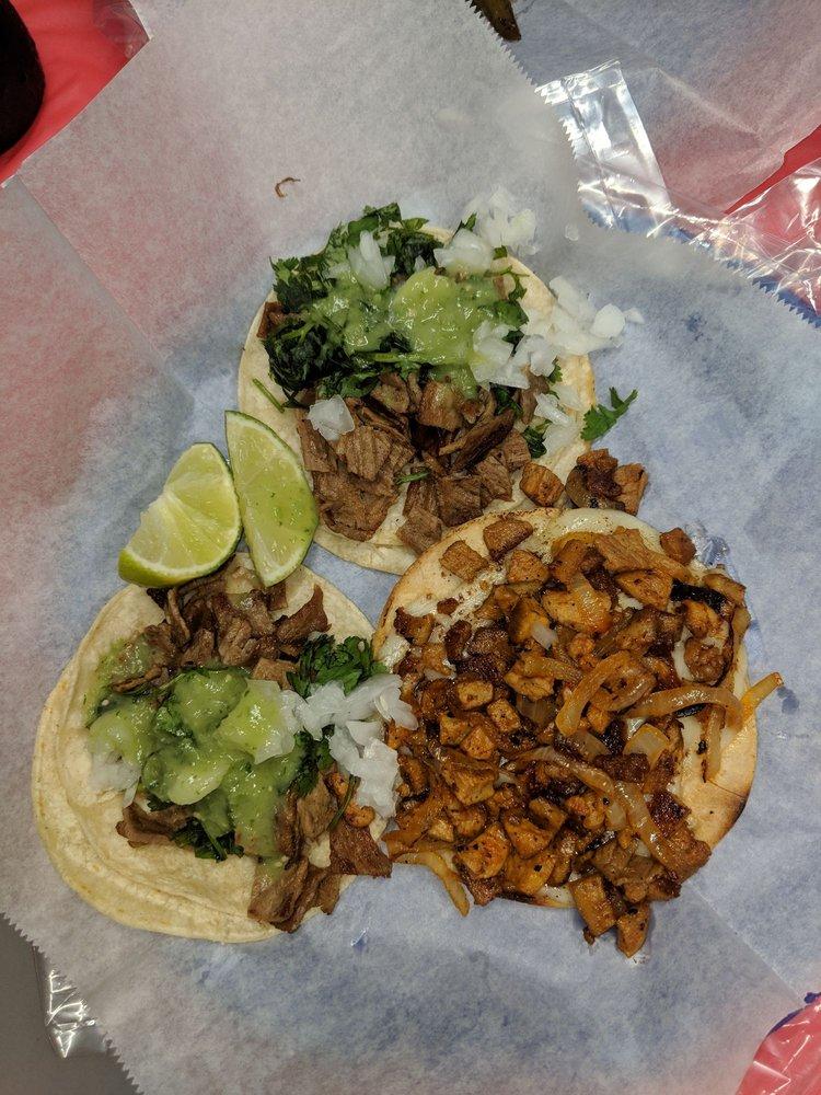 Lolo's & Papi's Tacos