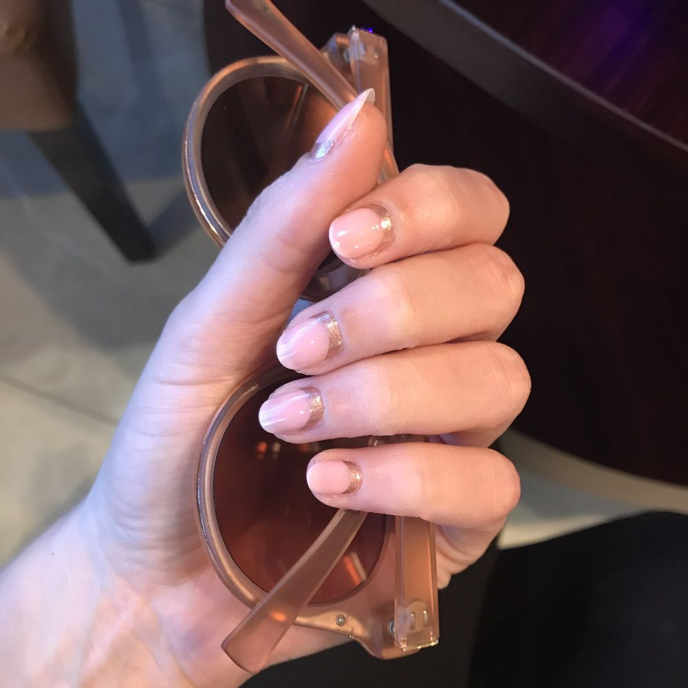 Jenny McCarthy just got her nails done by CiCi. - Yelp