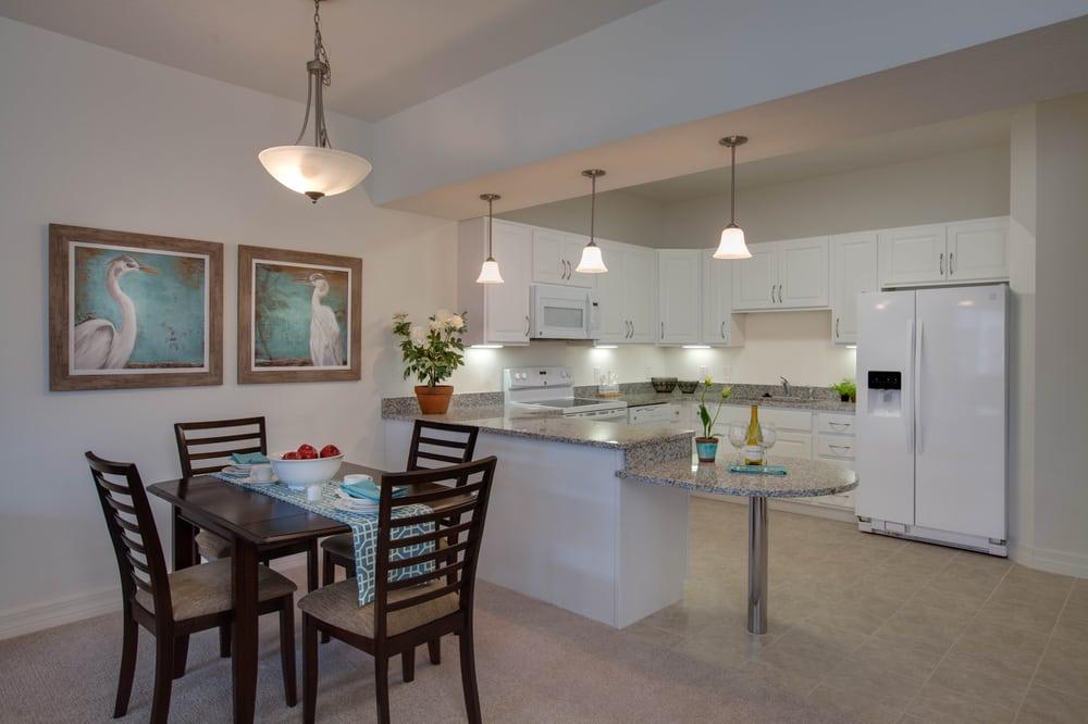 Lakeview Terrace Retirement Community: 331 Raintree Dr, Altoona, FL