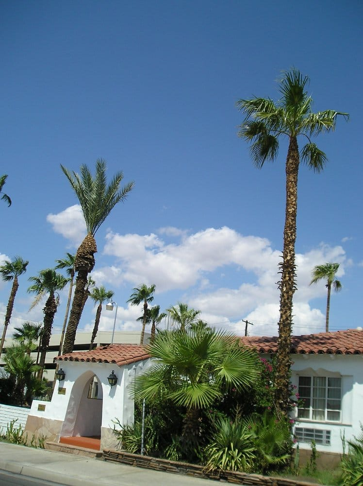 The coronado is surrounded by palm trees yelp for Historic coronado motor hotel