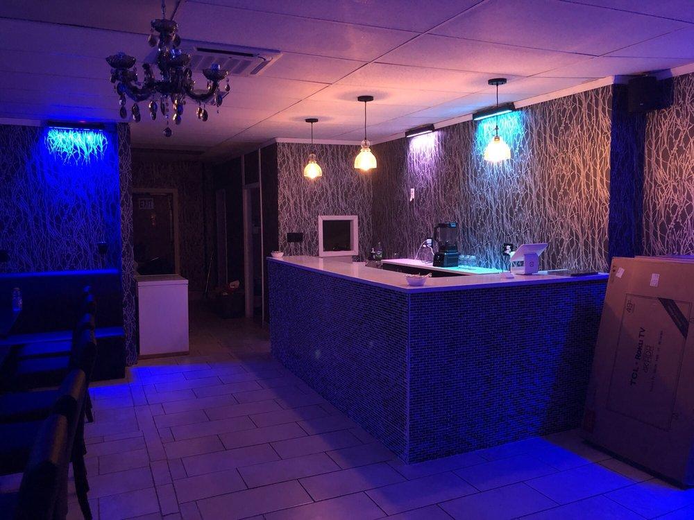 V3nom Cafe & Lounge: 246-09 Jericho Tpke, Jamaica, NY
