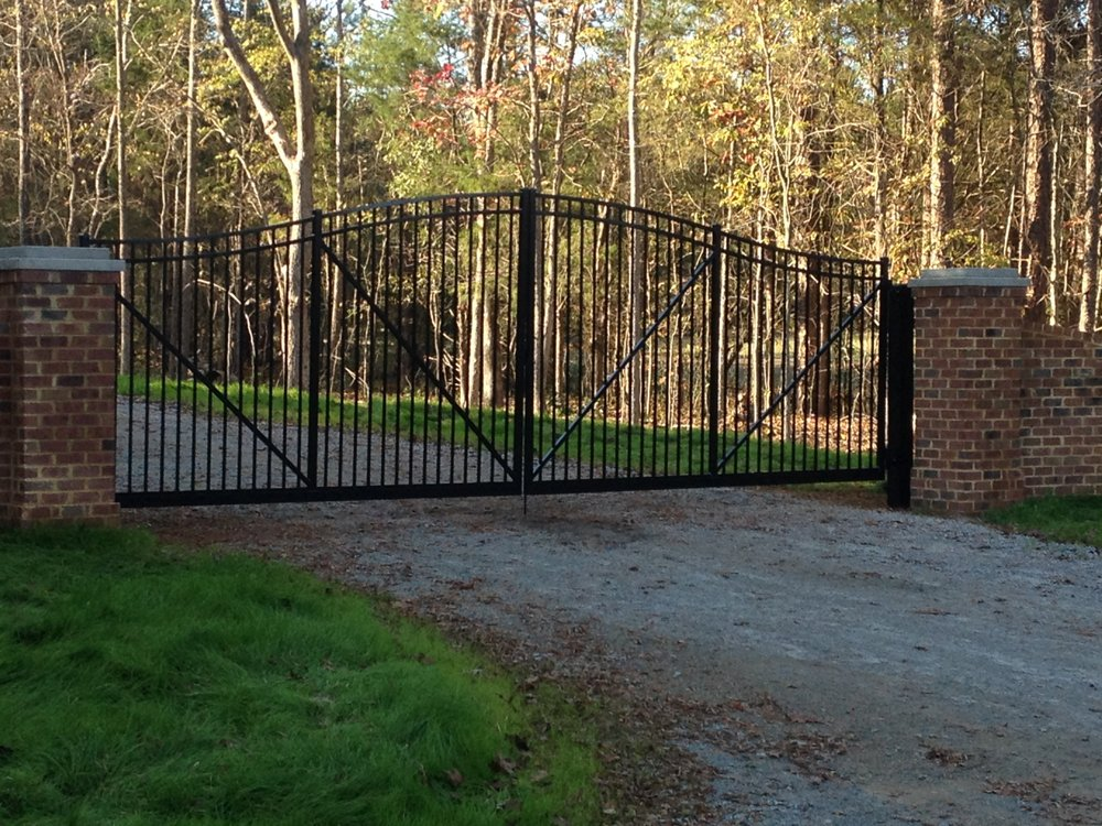 FenceTec: 8245 Poorhouse Rd, Kenbridge, VA