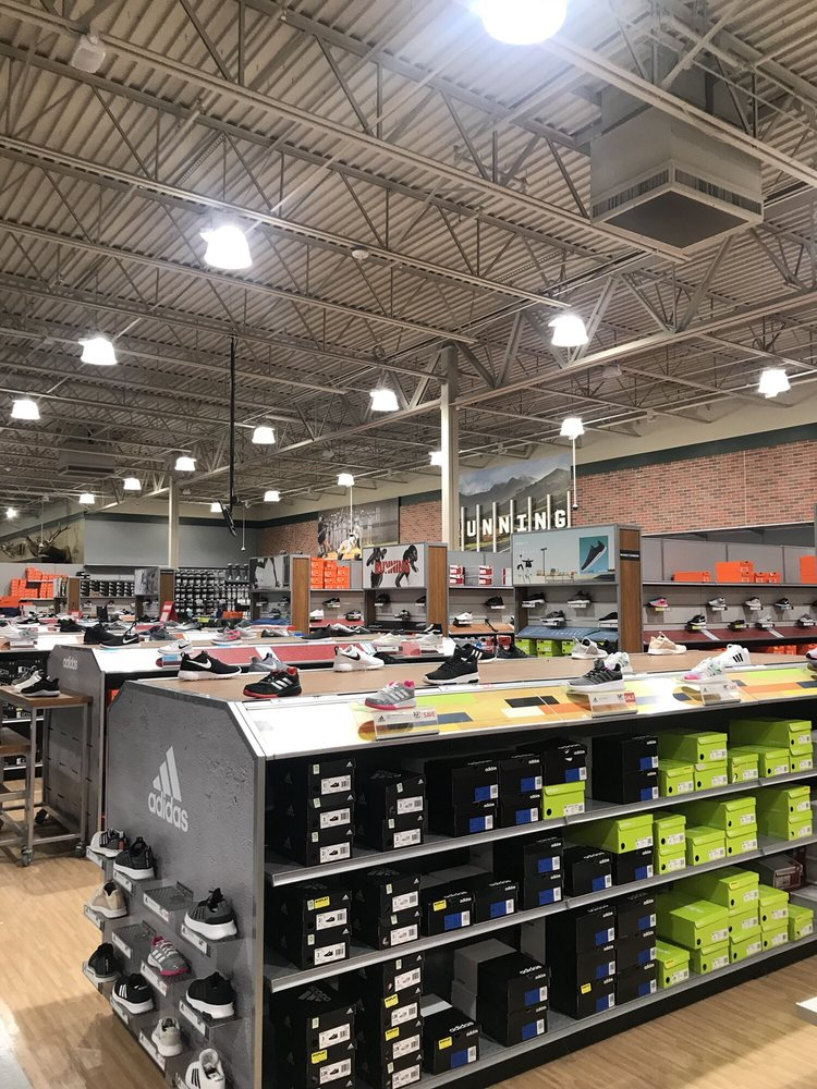 DICK'S Sporting Goods: 841 W Pacific Dr, American Fork, UT