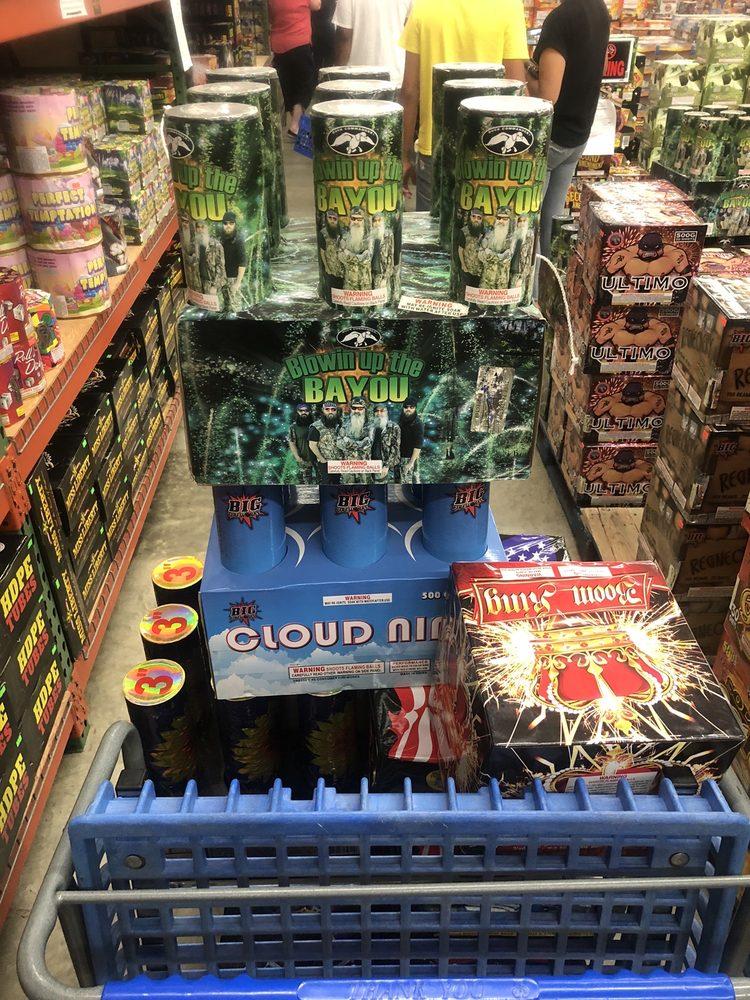 Hooksett Fireworks: 1407 Hooksett Rd, Hooksett, NH