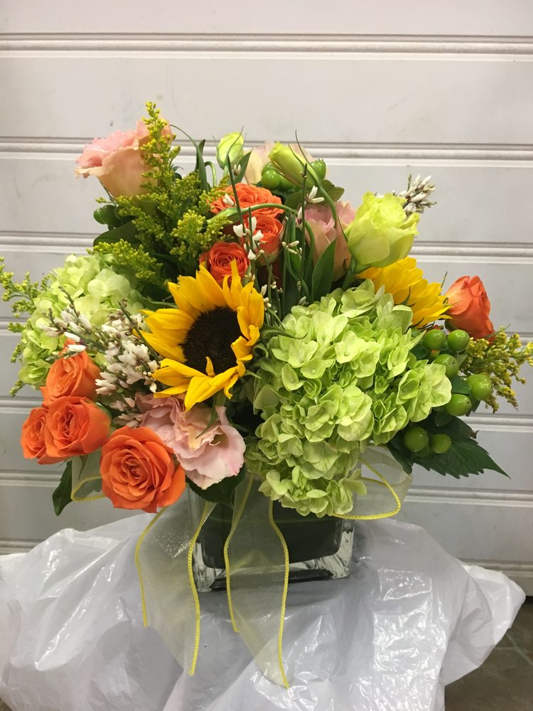 Four Seasons Flower Shop: 322 E Main St, Mount Kisco, NY