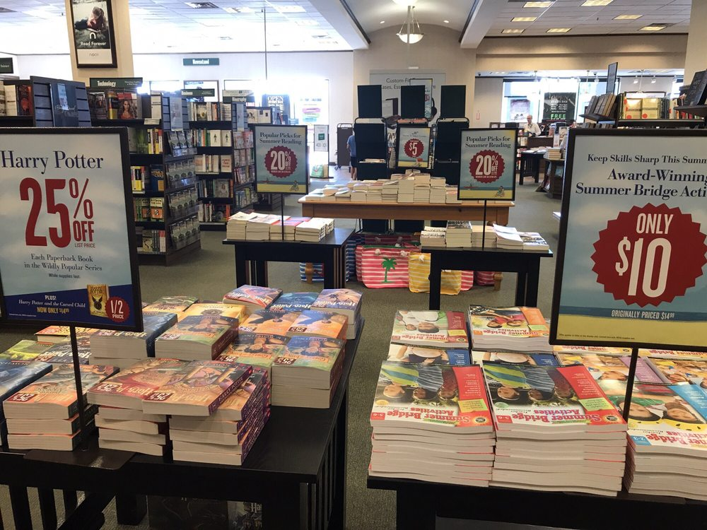 Barnes & Noble Booksellers - 23 Photos & 16 Reviews ...