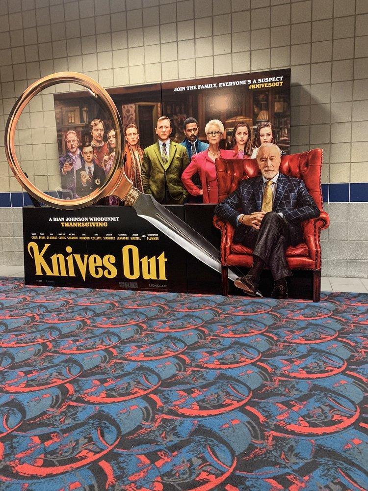 MJR Southgate Digital Cinema 20: 15651 Trenton Rd, Southgate, MI