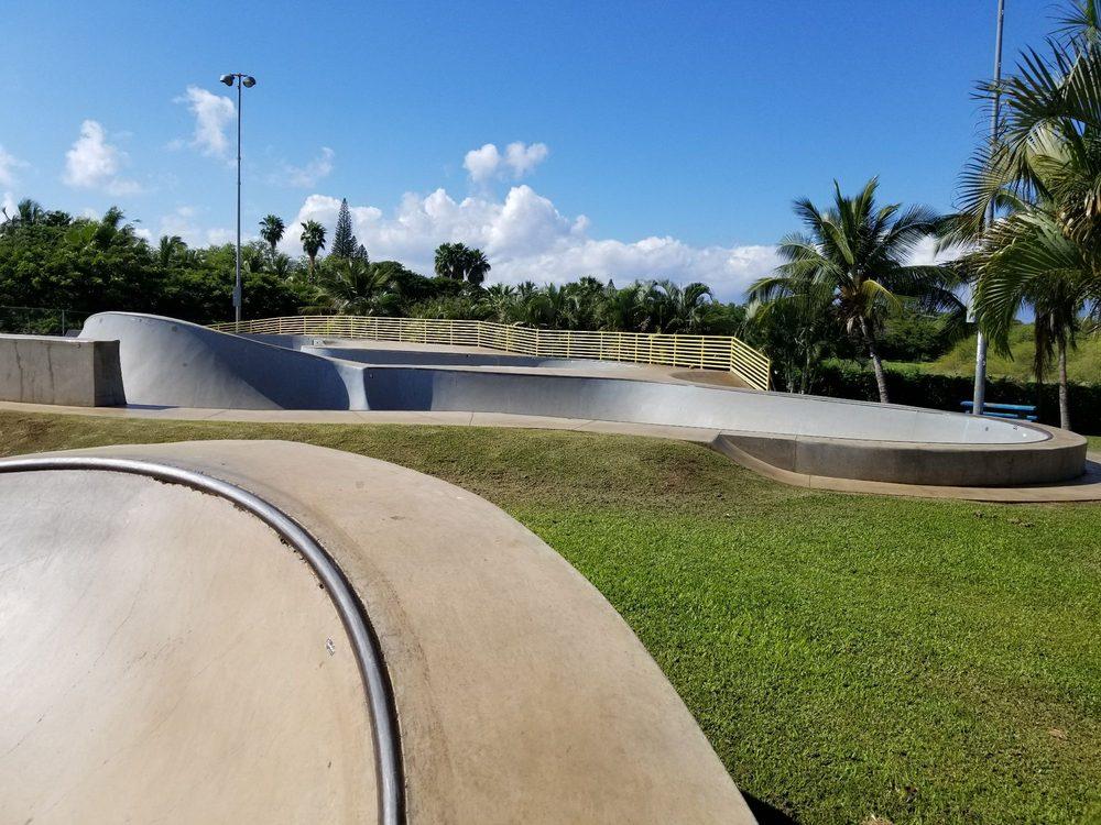 Lahaina Skate Park: 245 Shaw St, Lahaina, HI