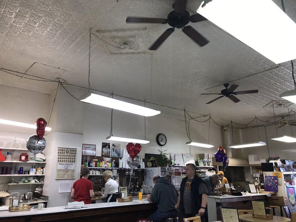 Dershey's Cafe: 111 W Higham St, Saint Johns, MI