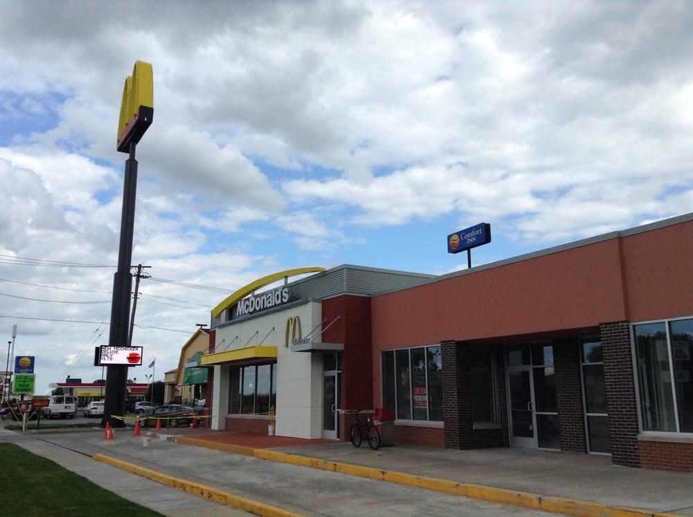 McDonald's: 550 E Springfield Rd, Arcola, IL