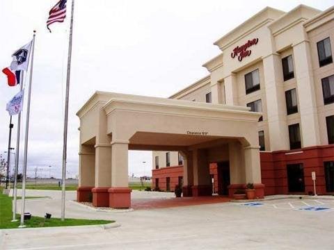 Hampton Inn by Hilton Waterloo Cedar Valley: 2034 La Porte Rd, Waterloo, IA