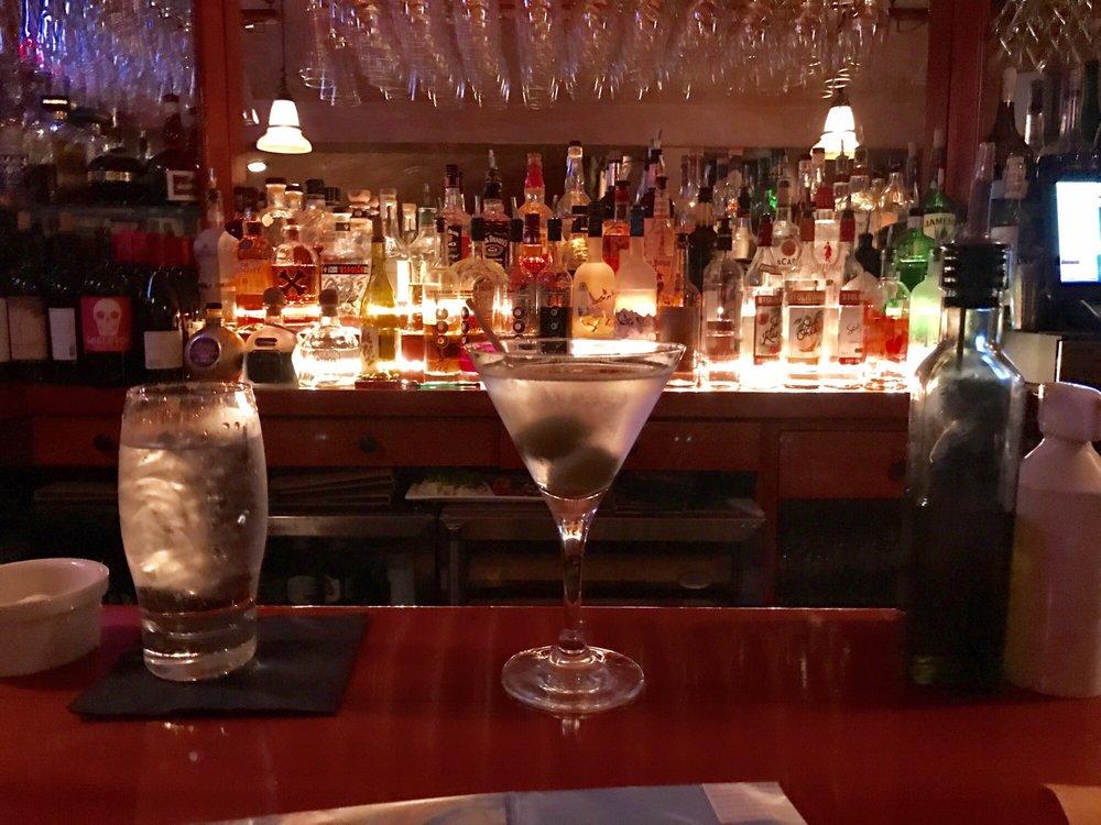 Queequeg S 39 Photos 69 Reviews American New 6 Oak St Nantucket Ma Restaurant Phone Number Menu Yelp
