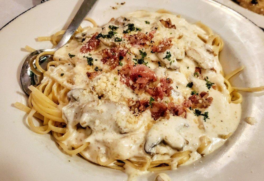 Cerami's Italian Restaurant: 5417 Lakeland Dr, Flowood, MS