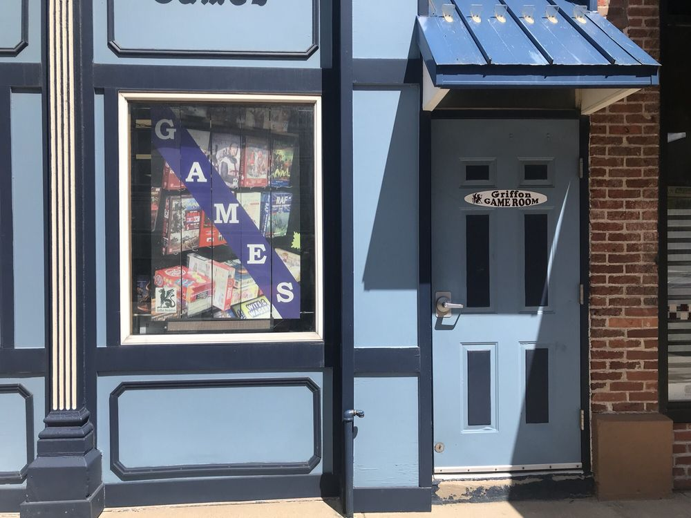 Griffon Bookstore: 121 W Colfax Ave, South Bend, IN