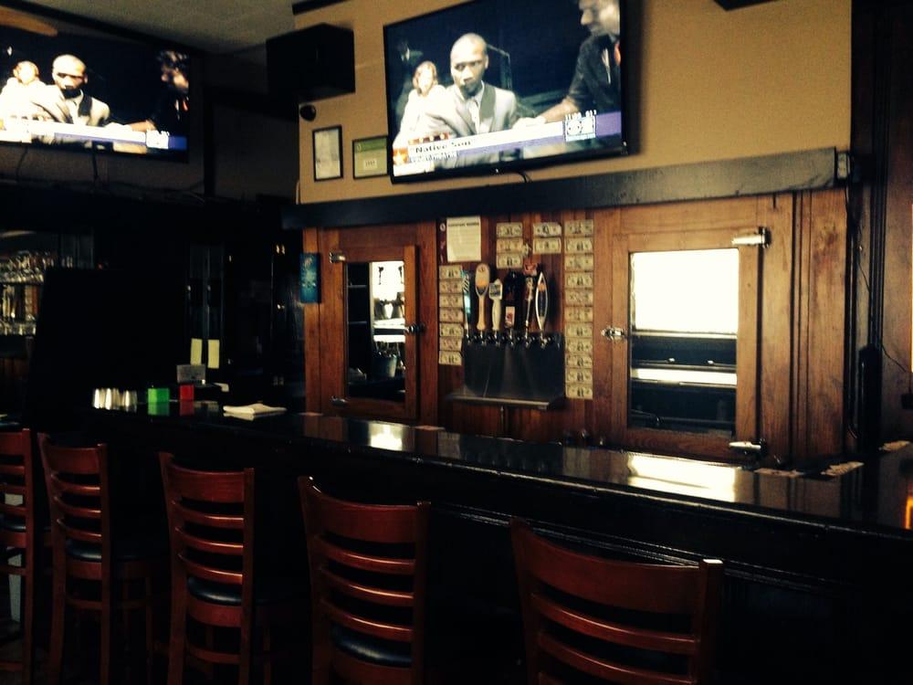 Little Bar: 5823 N Northwest Hwy, Chicago, IL