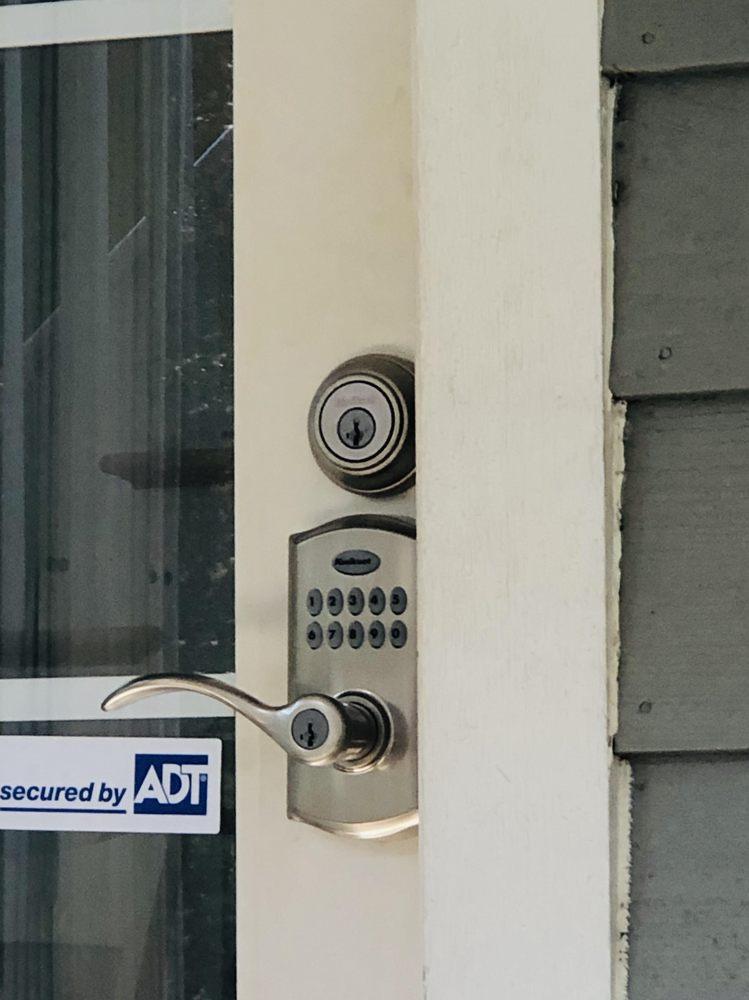 Elmer's Locksmith: 2679 Arbor St, Niles, MI