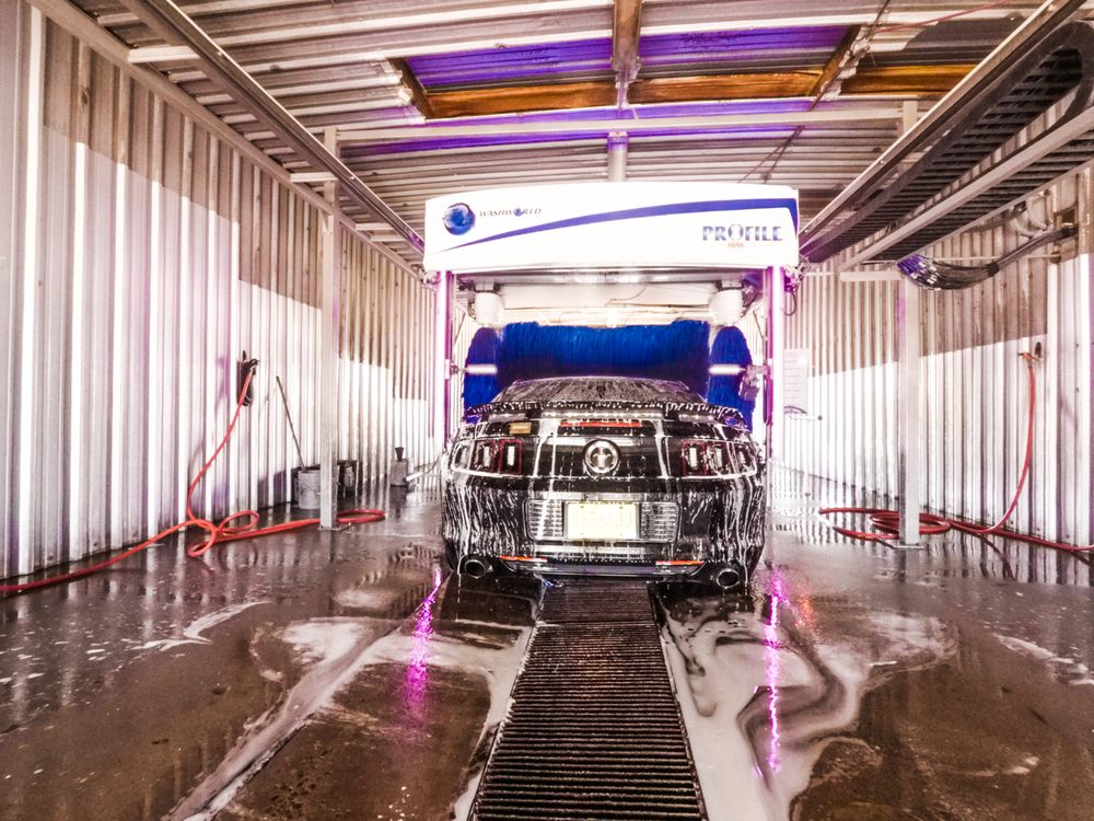 Suds and Studs Carwash: 1007 S Main St, Roswell, NM