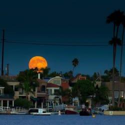 Photo Of Gondola Getaway Long Beach Ca United States Super Moon