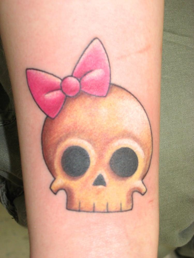 Cute skull tattoo tattoo charlie 39 s preston hwy yelp for Tattoo charlie s preston hwy louisville ky