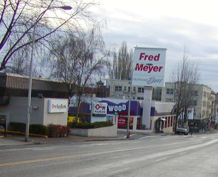 stadium fred meyer being re set retail watchers rh retailwatchers com