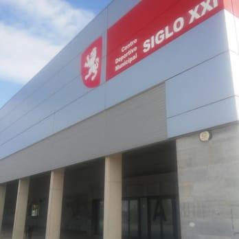 Centro deportivo municipal siglo xxi clubs deportivos for Piscina siglo xxi zaragoza