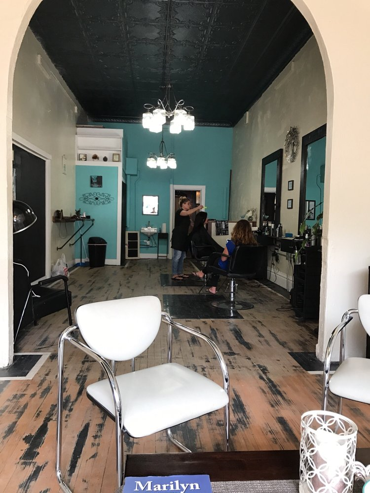 Vaenn Har Hair Studio: 717 Laurel St, Brainerd, MN