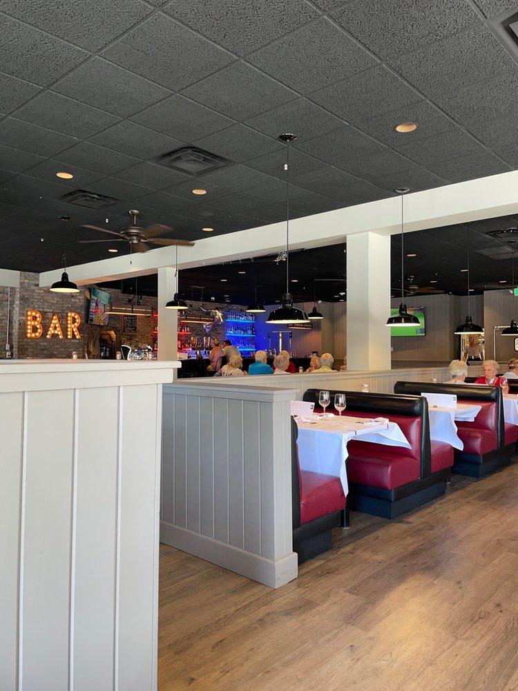 Farmshed American Diner: 990 Del Mar Dr, Lady Lake, FL