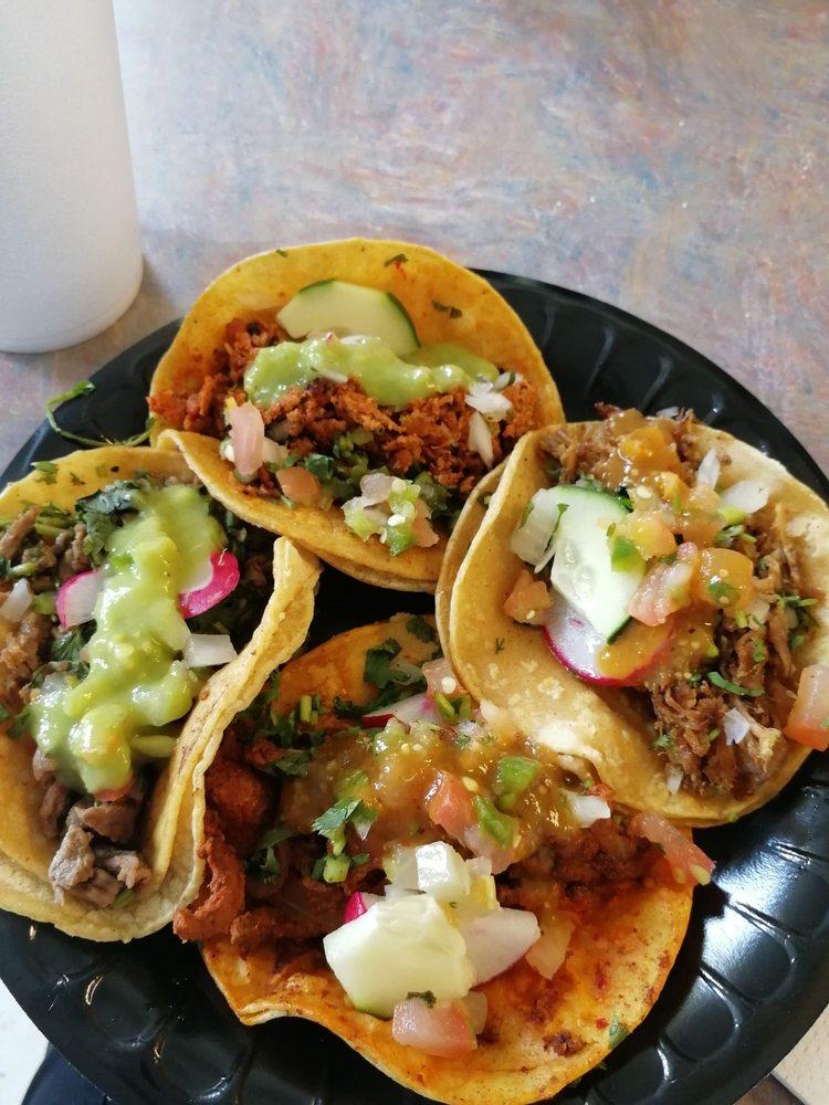 Food from Tacos El Gallo