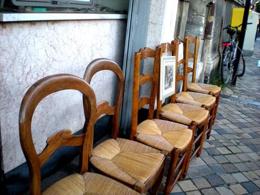 Cammage rempaillage de chaises tapetserare 65 cours for Rempaillage de chaises
