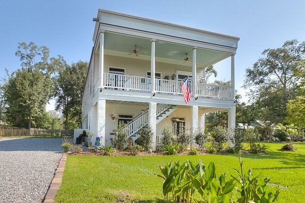 About Trace Bed and Breakfast: 1925 Livingston St, Mandeville, LA