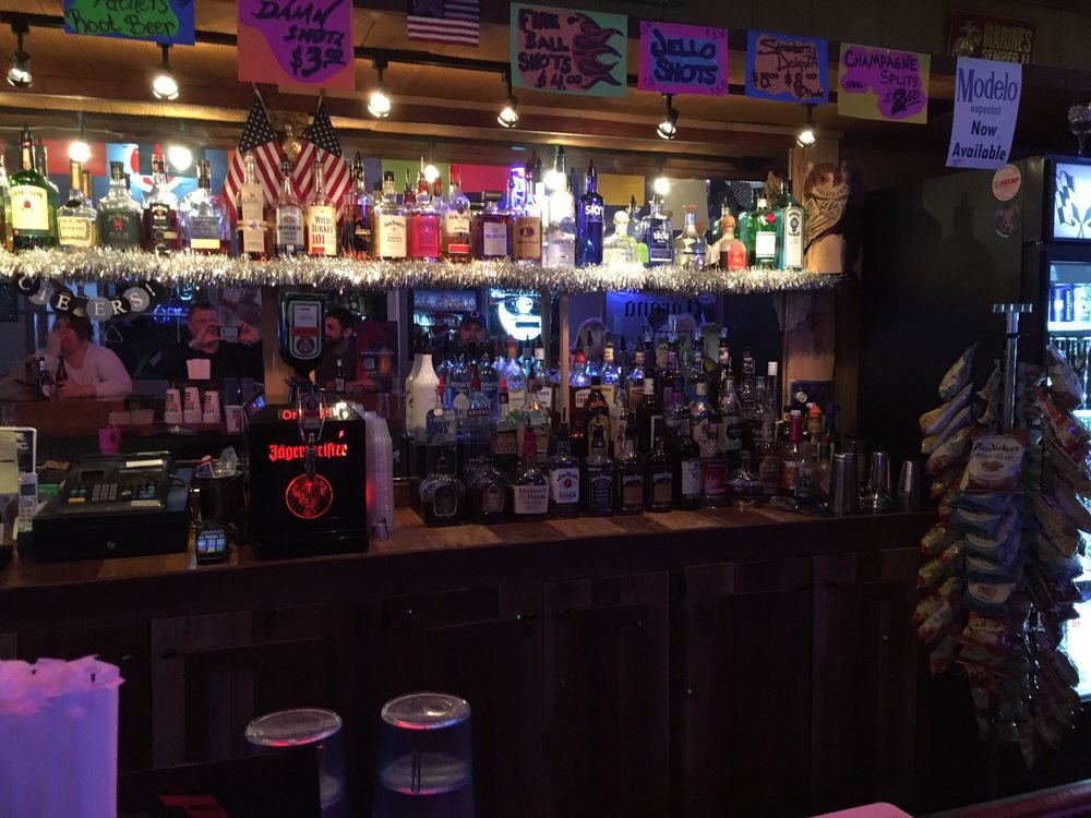 Pit Stop Bar & Grill: 3315 Louisville Rd, Bowling Green, KY