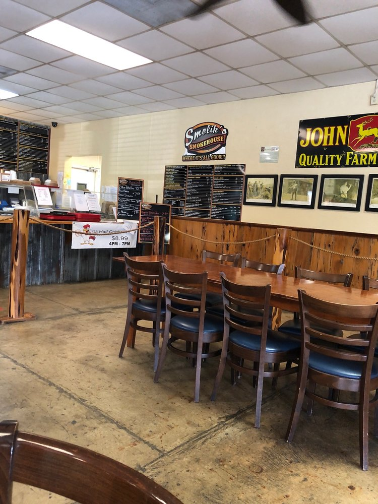 Smolik's Smokehouse: 501 E San Patricio Ave, Mathis, TX