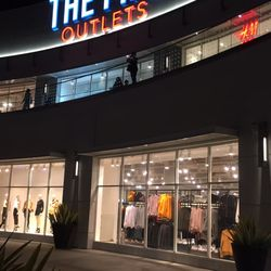 columbia outlet store long beach ca