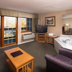 Photo Of Lakeside Lodge And Suites Chelan Wa United States King Whirlpool