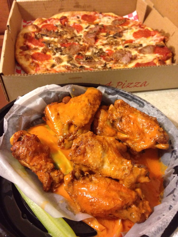 Restaurants Italian Near Me: Delicious Pizza And Hot Wings