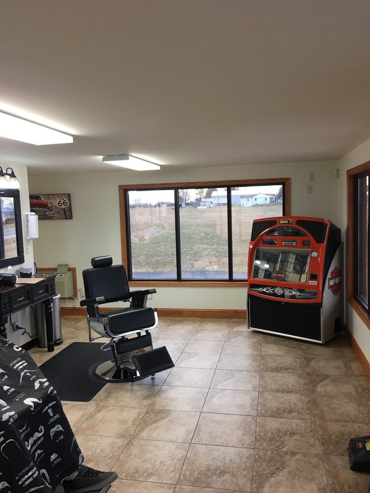 Warner's Barber Shop: 4598 Molly Pitcher Hwy, Chambersburg, PA