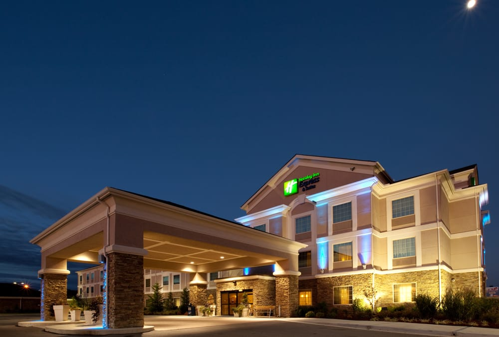 Holiday Inn Express & Suites Ada: 1201 Lonnie Abbott Blvd, Ada, OK