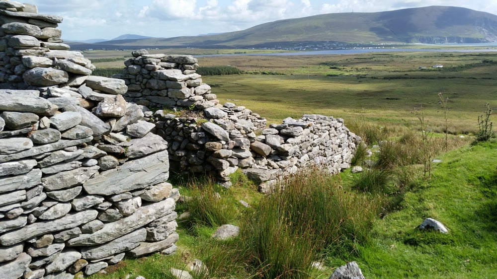 deserted village synonym The enotes analysis the link to which is provided below provides useful insights into goldsmith's poem the deserted village what follows is an attempt at amplifying the points made in that.