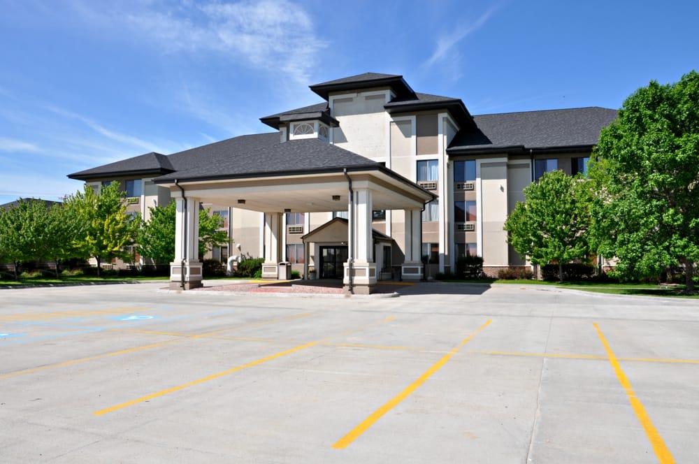 Valentine's Niobrara Lodge: 803 E Hwy 20, Valentine, NE