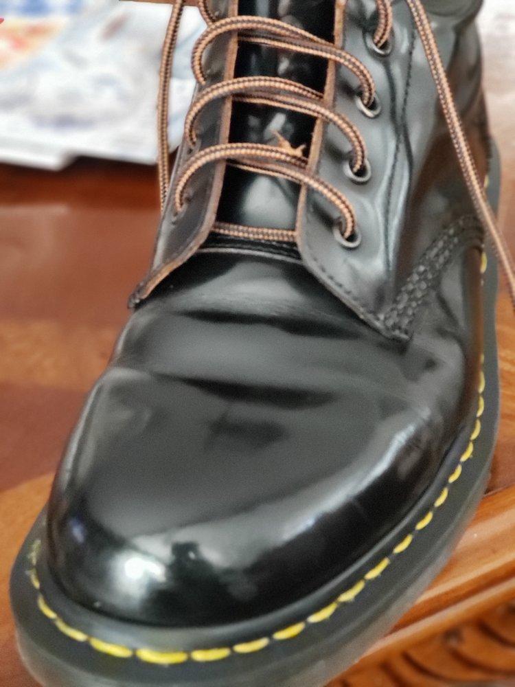 Leon's Shoe Service: Chevron Gas Station, Aliso Viejo, CA