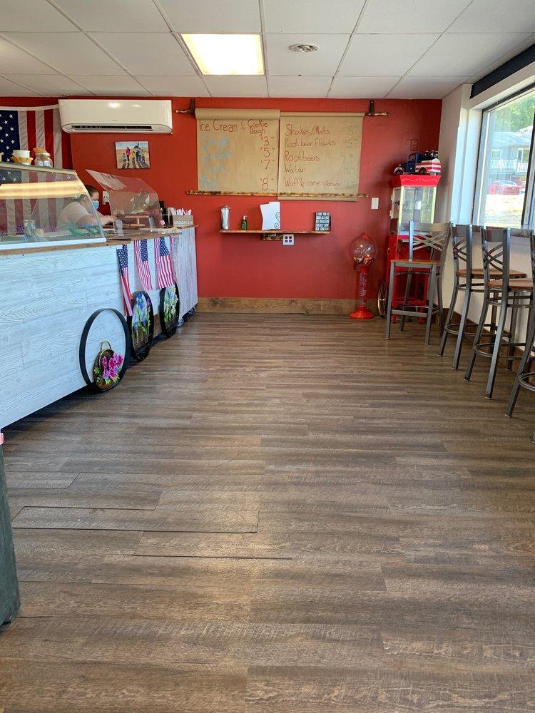 Zaltes Ice Cream: 229 Bennett Ave, Council Bluffs, IA