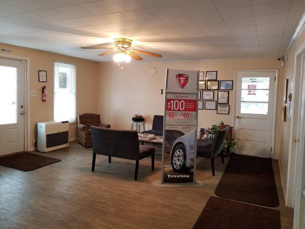 New River Tire & Alignment Co: 2872 Old Hwy 421 S, Boone, NC