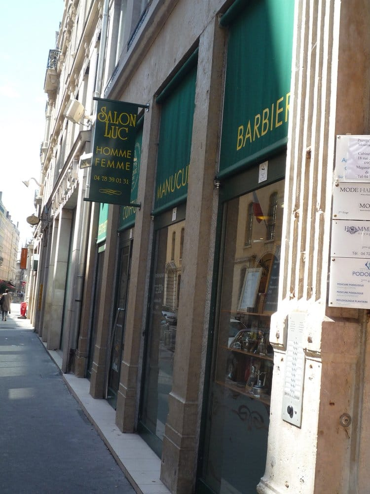 Salon luc 21 reviews hairdressers 4 rue bourse for Salon luc