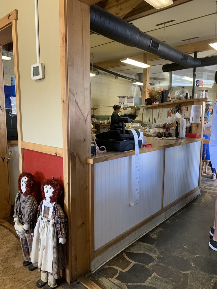 Deli Sandwich Shop: 119 N Idaho Ave, Arco, ID