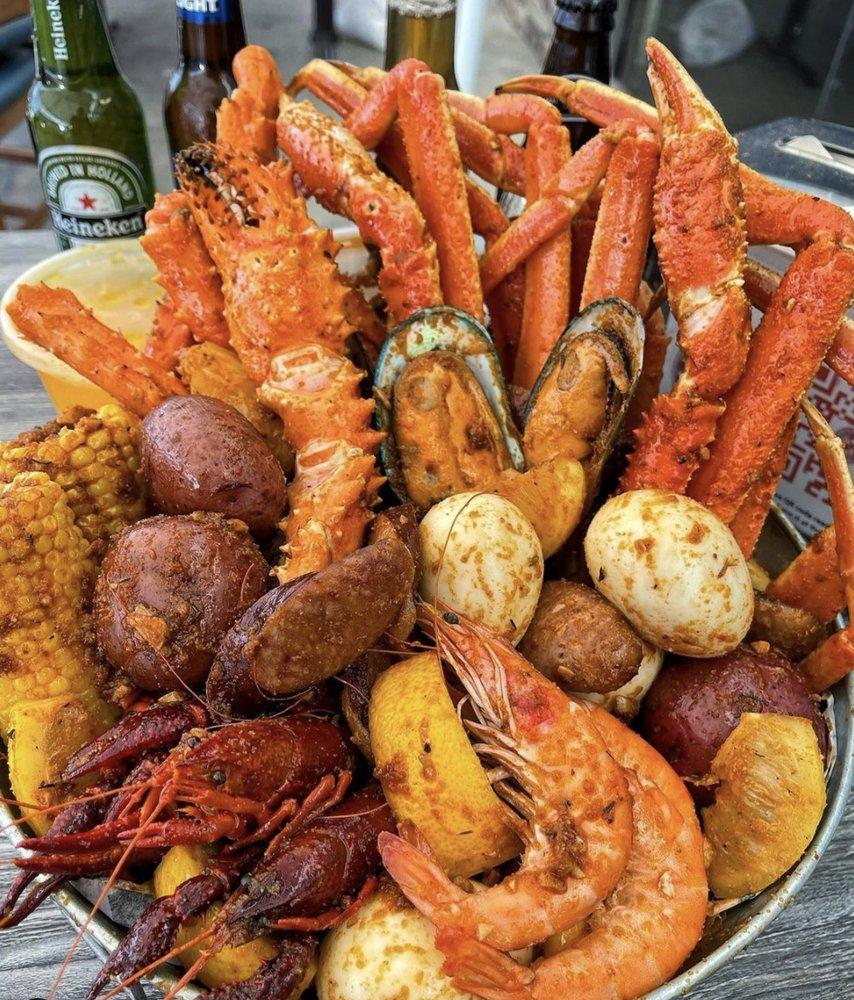 Rockin' Cajun Seafood And Grill: 940 E Dominguez St, Carson, CA